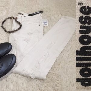 NWT Dollhouse Distressed White Skinny Jeans Size 1